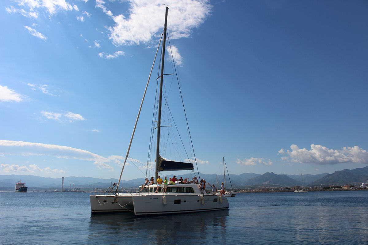 Yacht & Saling